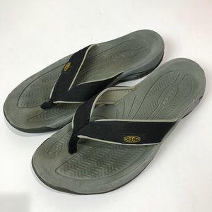 """Keen   """" Kona """" black grey sandals men's 8"""